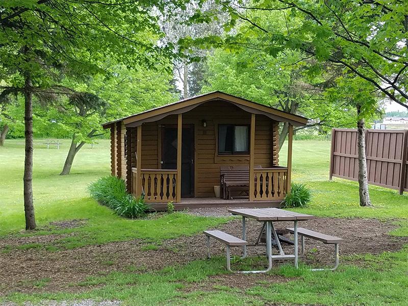 4 person log cabin
