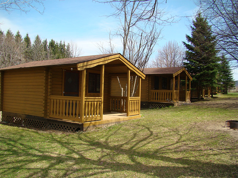 4 -6 person log cabins for rent