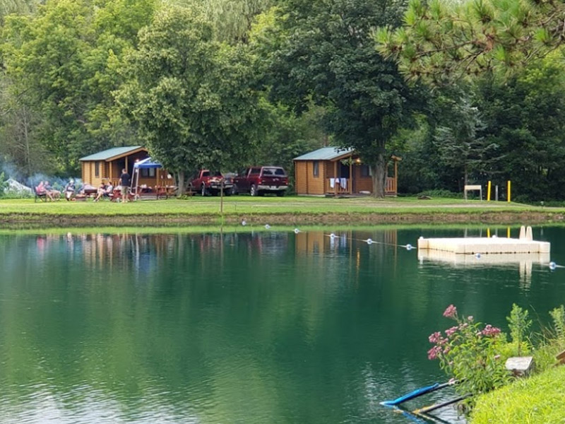 8 person log cabins for rent